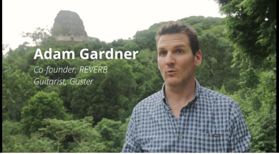 Adam Gardner, cofundador de Reverb fue quien invitó a los músicos a conocer la zona de la Biosfera Maya. (Captura YouTube)