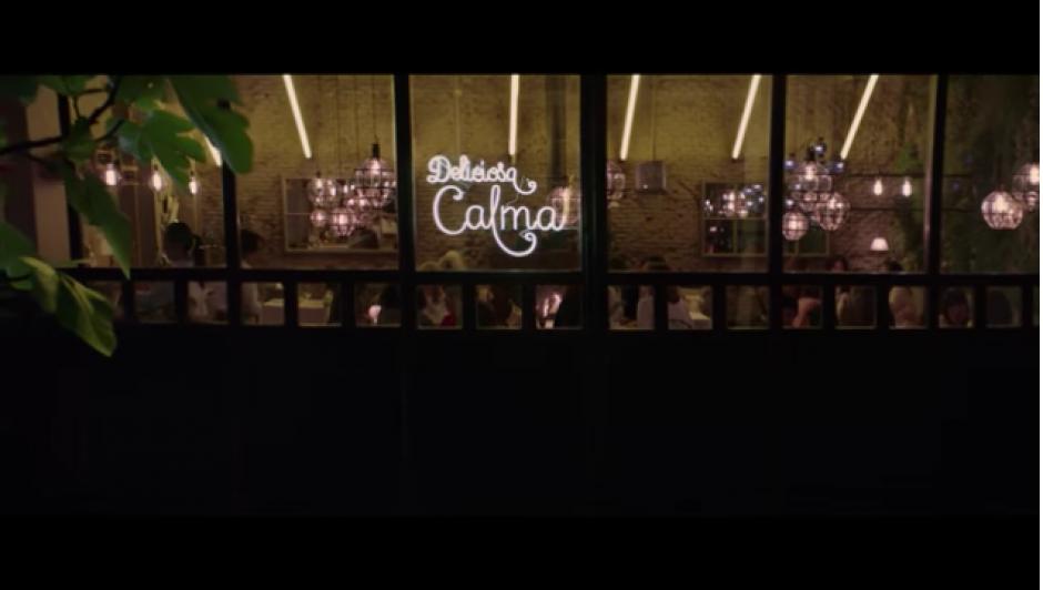 """La campaña es un spot que muestra al restaurante """"Deliciosa Calma"""". (Foto: YouTube)"""