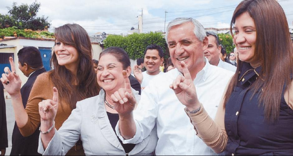 Las cuentas de la esposa y la hija de Pérez también han sido inmovilizadas. (Foto: Archivo/Soy502)