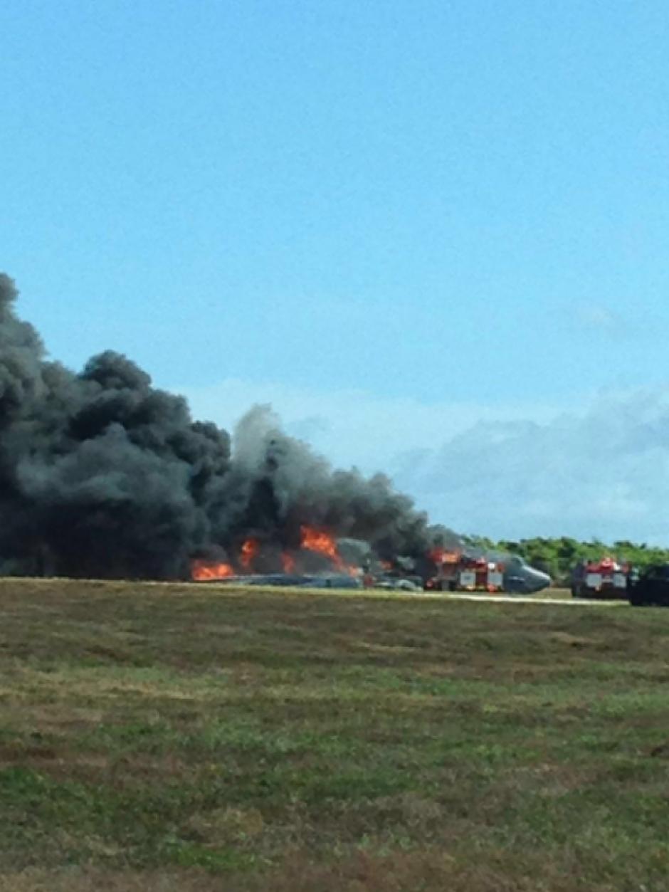 Por el momento se descarta que haya sido parte de un ataque al avión. (Foto: Twitter, Guamnews)