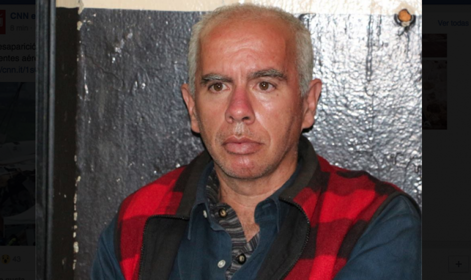 Hugo Linares fue capturado en el lugar por lanzar ese artefacto. (Foto: PNC)