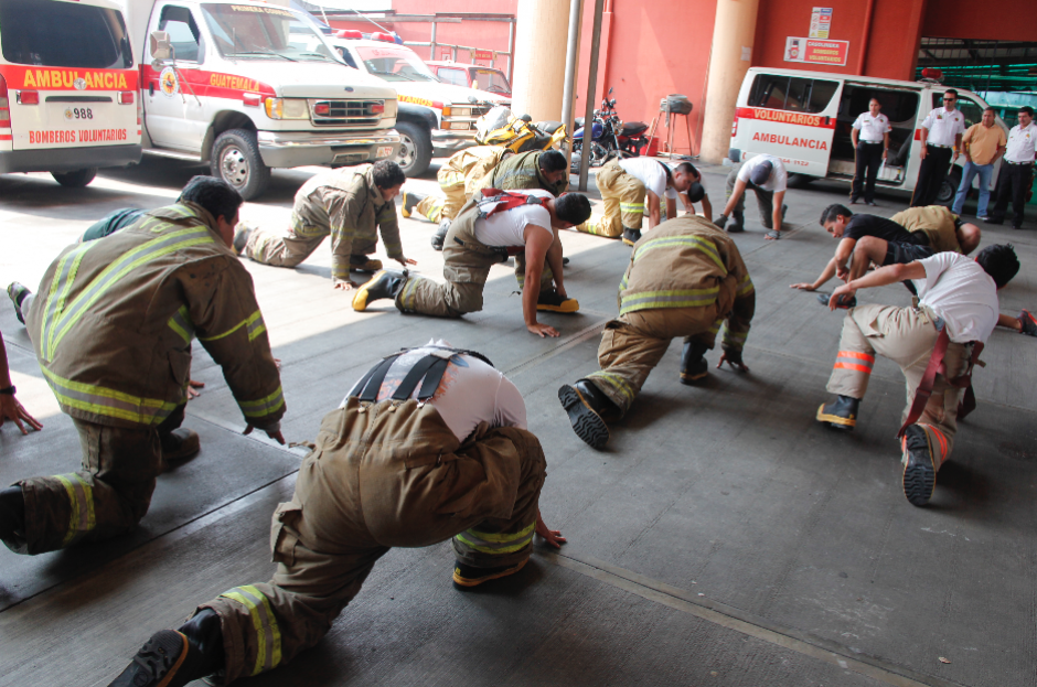 La actividad también busca un acercamiento de los bomberos con la comunidad. (Foto: Jorge Sente/Nuestro Diario)