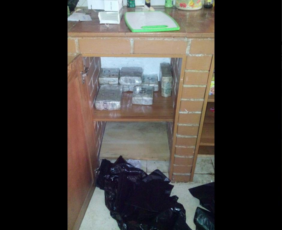 El allanamiento está relacionado con un caso de narcotráfico. (Foto: Ministerio Público)