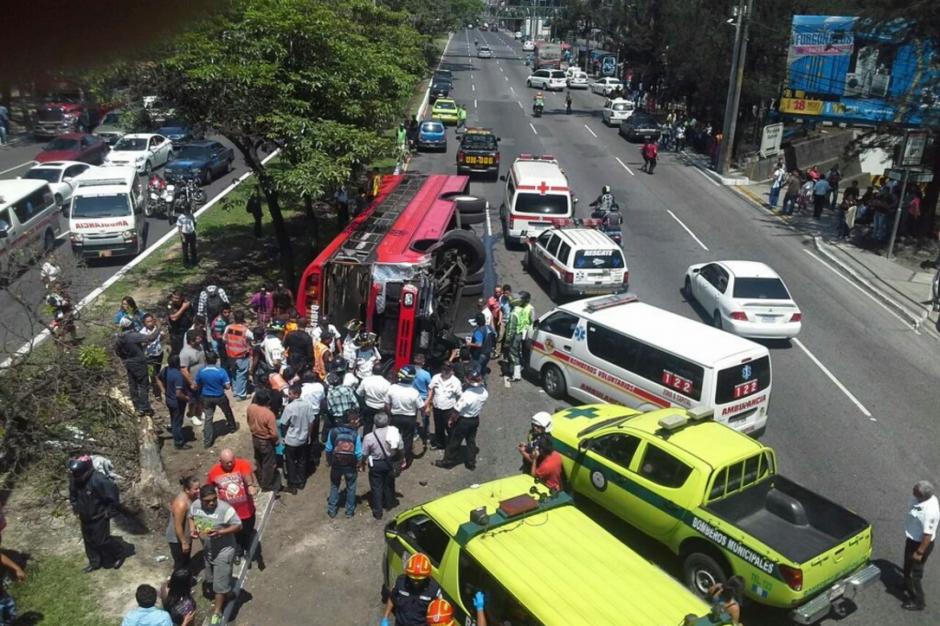 Los heridos ascendieron a 24 en el percance vial. (Foto: Twitter/@TránsitoPNC)