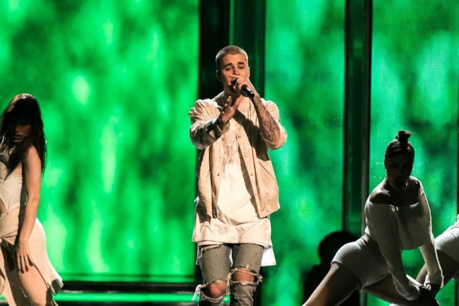 Uno de los momentos más esperados en las redes sociales fue la presentación de Justin Bieber. (Foto: Twitter/@BBMAs)