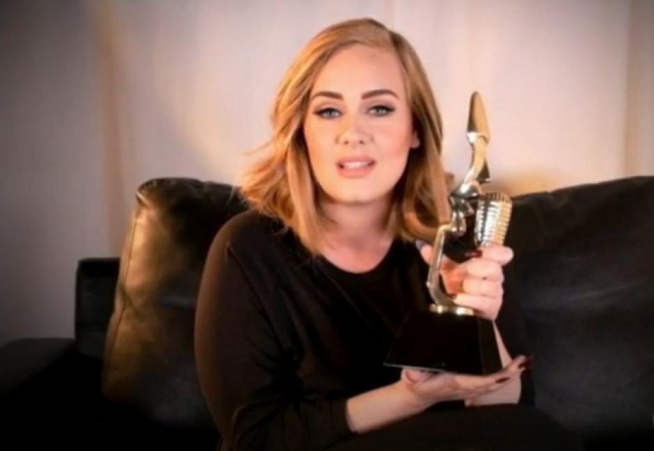 Adele agradeció los galardones a través de un video debido a que no pudo presentarse a la gala. (Foto: Twitter/@BBMAs)