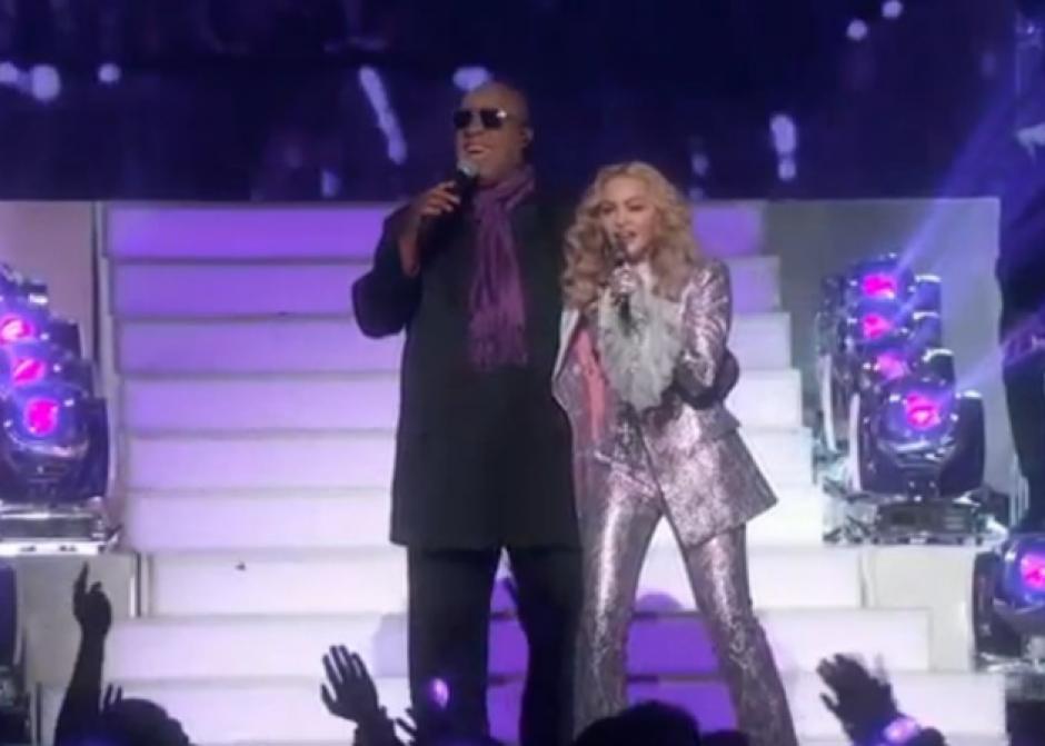 Los Billboard Music Awards 2016 culminaron con un homenaje a Prince por parte de Madonna y Stevie Wonder. (Foto: Twitter/@BBMAs)