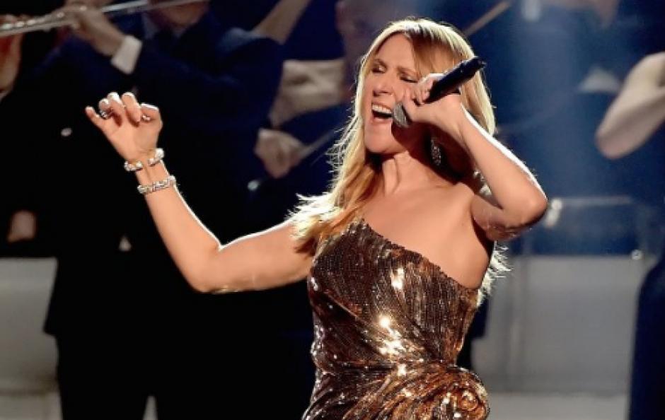 Uno de los momentos emotivos de la noche fue protagonizado por Celine Dion quien recibió el Icon Award de manos de su hijo. (Foto: Twitter/@BBMAs)