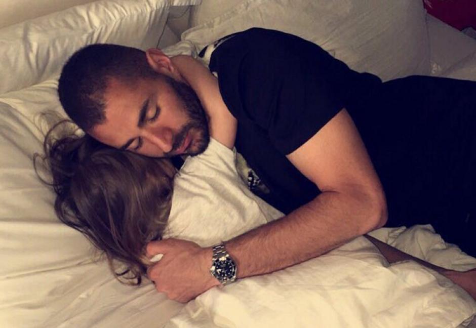 Una fotografía de Benzema y su hija podría vincularlo al Manchester United
