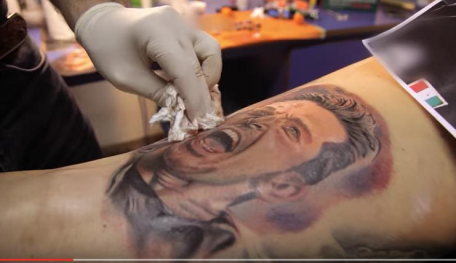 El tatauador logró una obra de arte dijo Buffon. (Foto: Captura youtube)