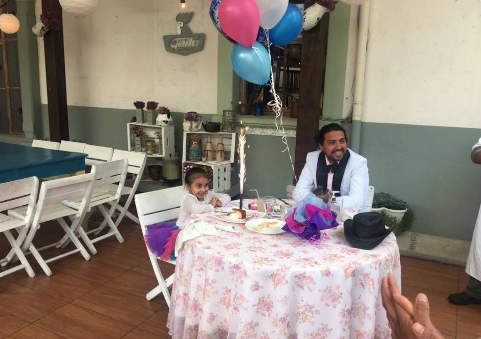 Todo fue preparado para el cumpleaños de la pequeña niña. (Foto: Restaurante Tertulianos)