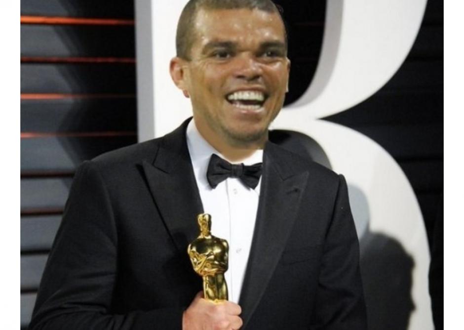 Pepe se llevó el Oscar en las redes. (Foto: MemeDeportes)