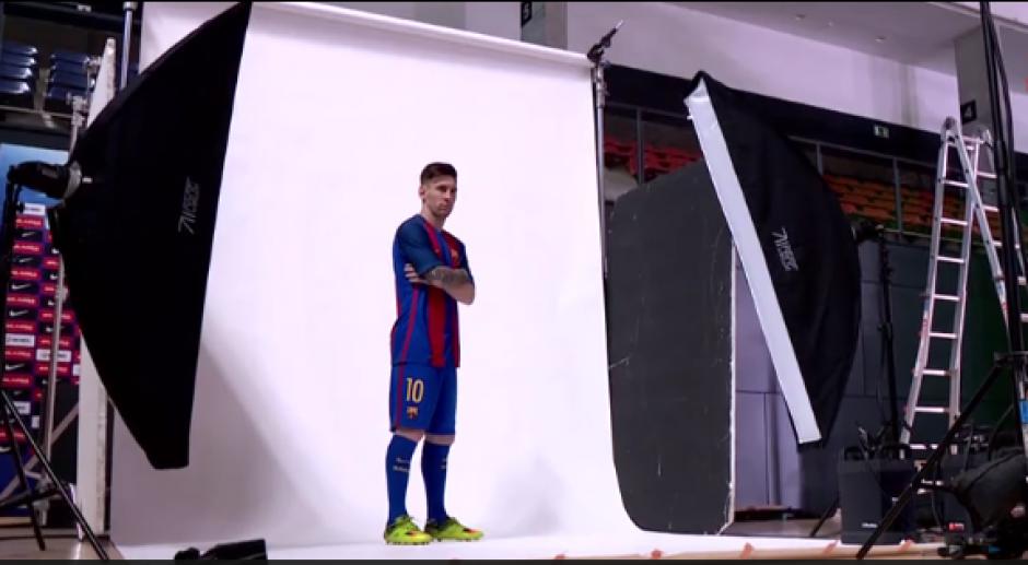 Messi no faltó en el video de la nueva camiseta del Barsa. (Foto: Captura video)