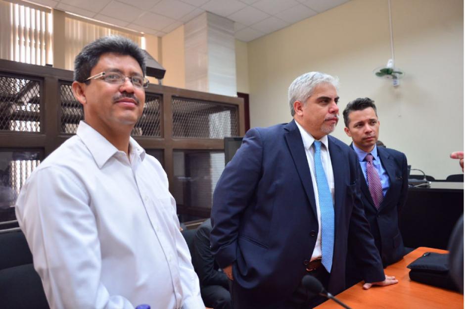 A la diligencia también acudió el extitular de la SAT, Omar Franco, quien también es procesado por el caso de evasión. (Foto: Jesús Alfonso/Soy502)