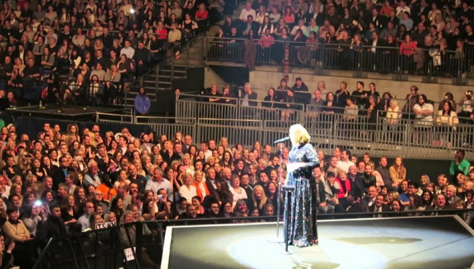 El vídeo de la reacción de Adele se viralizó en redes. (Foto: elzol.lamusica.com)