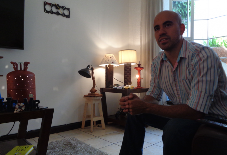 El ahora empresario ha fabricado al menos 175 unidades. (Foto: Gustavo Méndez/Soy502)