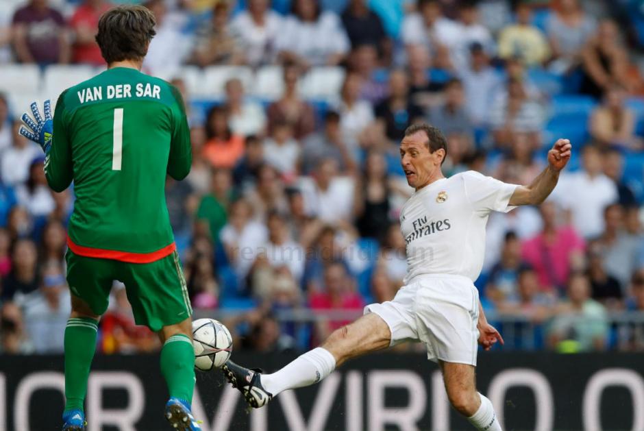 Emilio Butragueño un referente del equipo Real Madrid participó en el partido benéfico contra las estrellas del Ajax realizado en el Santiago Bernabéu. (Foto: Real Madrid)
