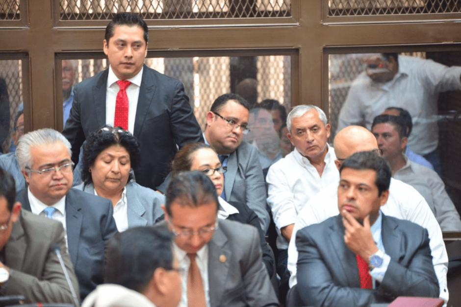 Mario Cano abandonó la defensa de Roxana Baldetti tras ser citado por el MP en el caso Cooptación del Estado. (Foto: Wilder López/Soy502)