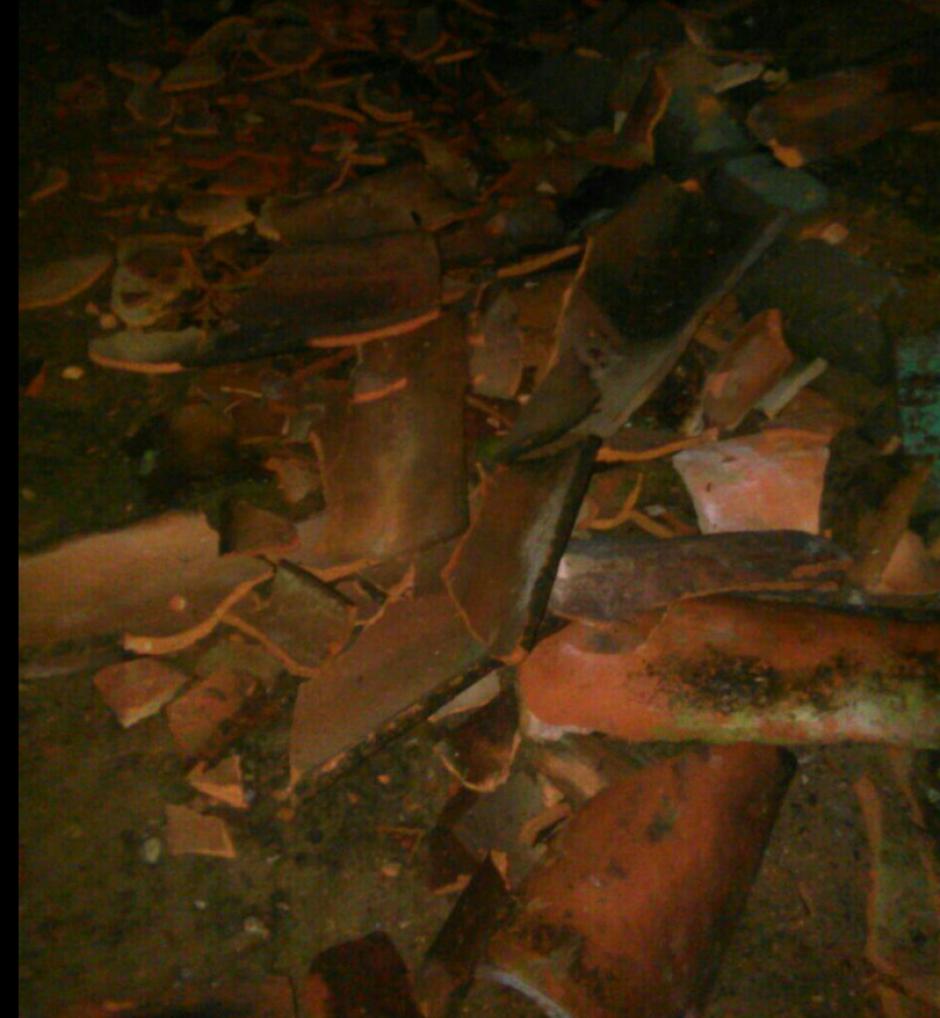 Algunos techos de teja cayeron debido al fuerte temblor. (Foto: Canal 2 de Nicaragua)