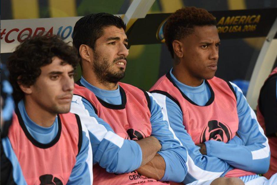 Luis Suárez se molestó por no jugar este partido. (Foto: Twitter/TyCSports)
