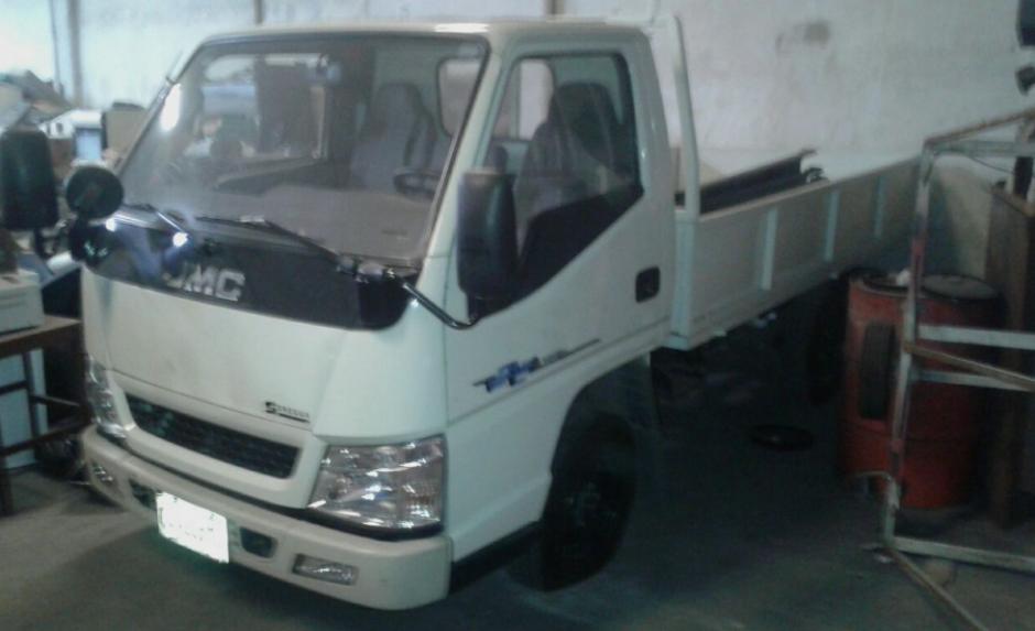 Los vehículos fueron localizados en un inmueble de la zona 1 capitalina. (Foto: MP)
