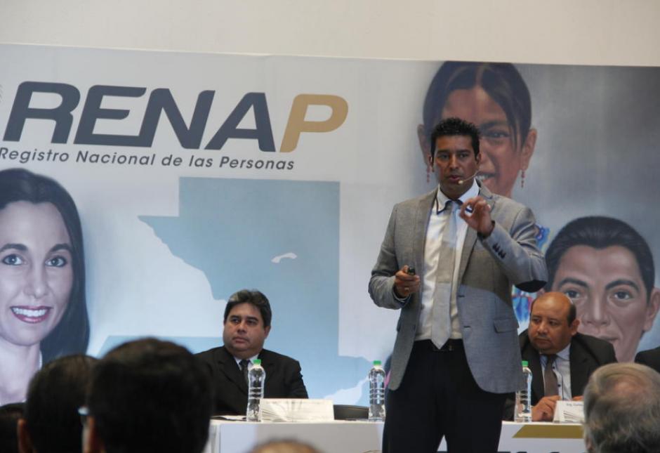 Rudy Gallardo únicamente fue suspendido de su cargo como director del Renap. (Foto: Archivo/Soy502)