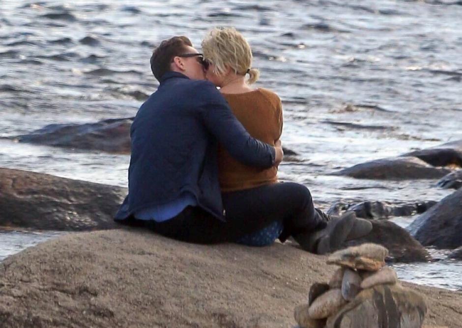 La actriz fue captada con su nuevo romance. (Foto: Twitter/@1989TUpdates)