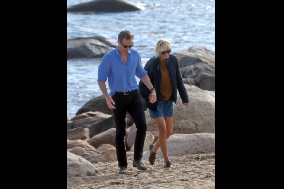 Taylor Swift fue vista besándose con el actor Tom Hiddleston. (Foto: Twitter/@1989TUpdates)
