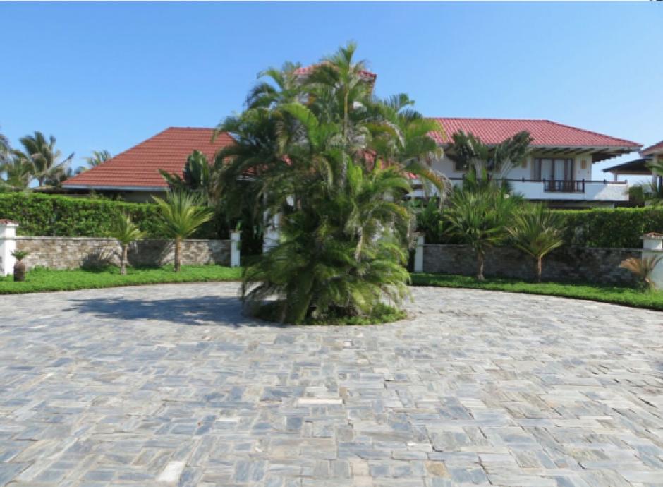 El lujoso chalé, ubicado en Monterrico, que Baldetti habría regalado a Otto Pérez. (Foto: MP)