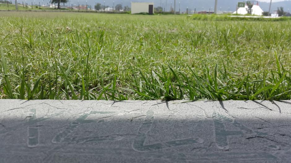 Otra de las recomendaciones es evitar actividades al aire libre en las zonas donde cae ceniza. (Foto: Twitter/@RBCNoticiasGT)
