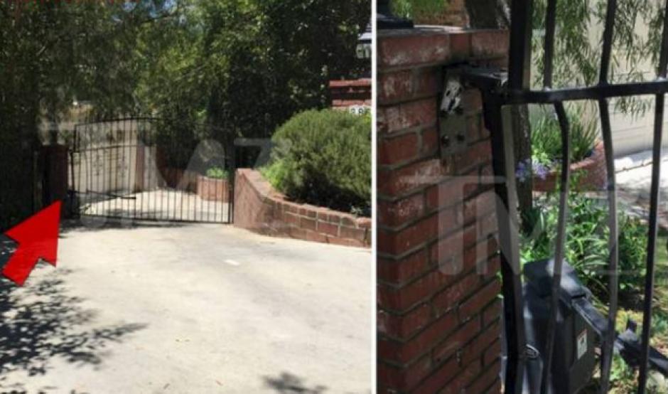 Así quedó la puerta del lugar del accidente. (Foto: TMZ)