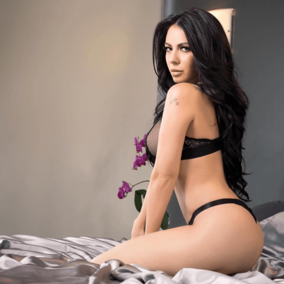 La presentadora de televisión sube constantemente fotografías donde muestra sus atributos. (Foto: jimenasanchezmx/Instagram)