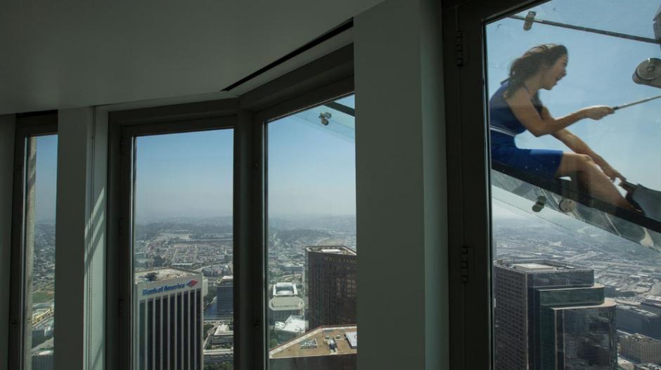 El tobogán de vidrio de 14 metros de largo. (Foto: lanacion.com.ar)