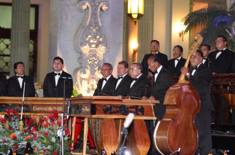 Con marimba y un gran montaje se realizó el evento. (Foto: Gobierno de Guatemala)