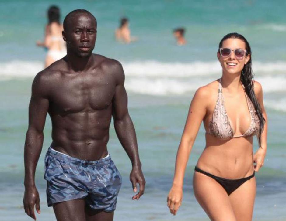 También disfruta de las playas con su esposo. (Foto: Instagram/ludivinesagna)