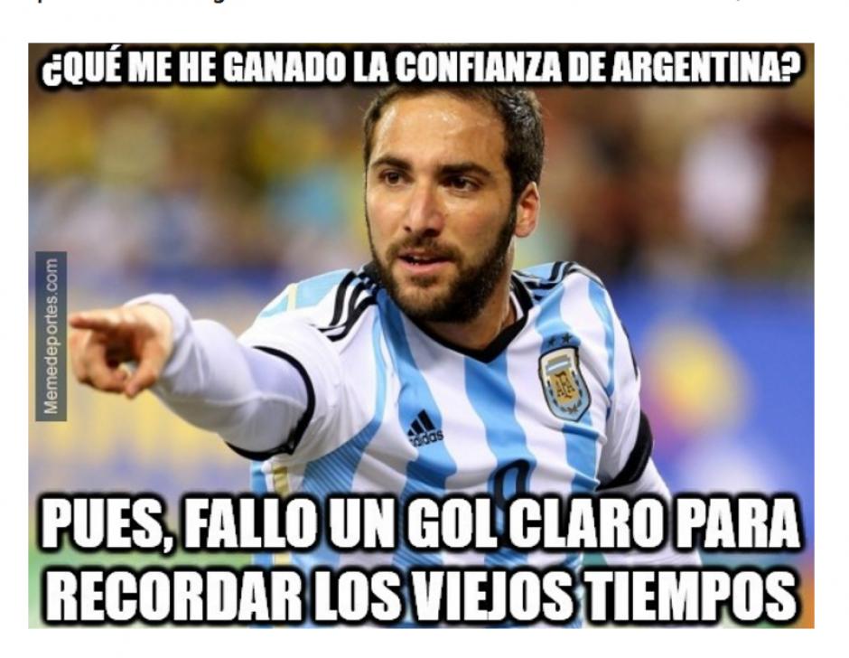 Los memes sobre Gonzalo Higuaín generaron comentarios en las redes. (Foto: MemeDeportes)