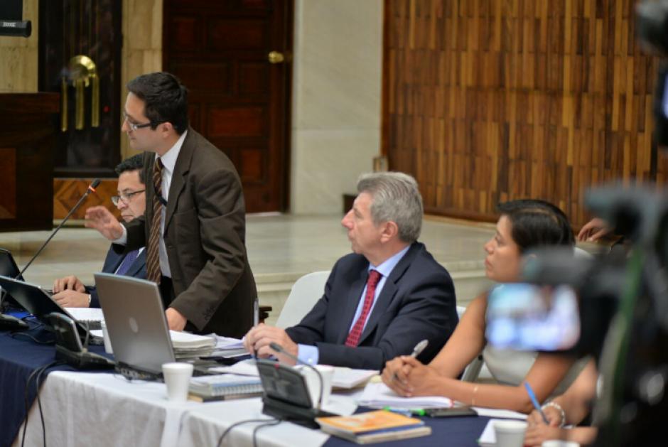 Los fiscales pidieron que se ligue a proceso a los 57 implicados por distintos delitos. (Foto: Wilder López/Soy502)