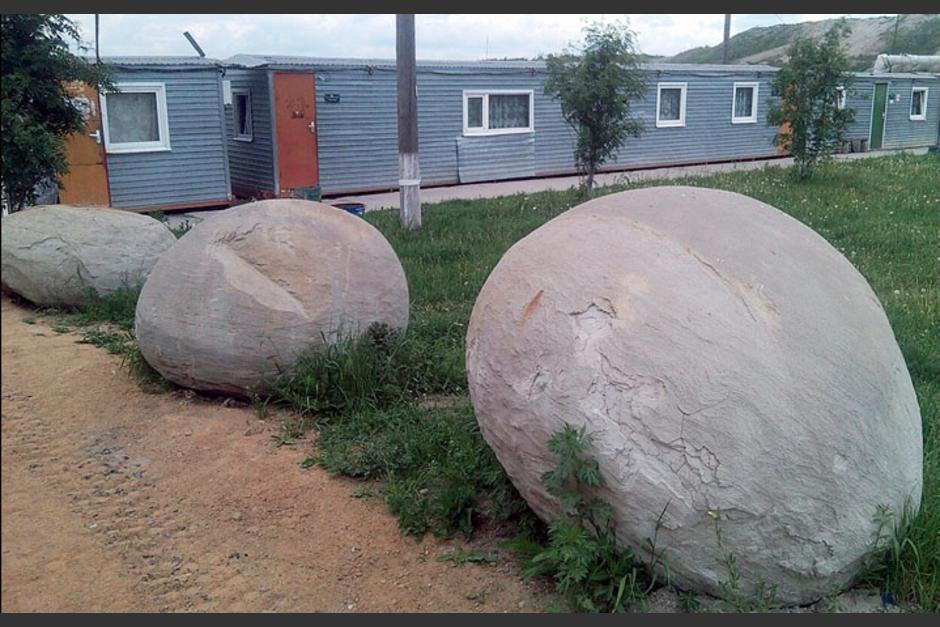 Las piedras son grandes y cambian de color. (Foto: Siberian Times)