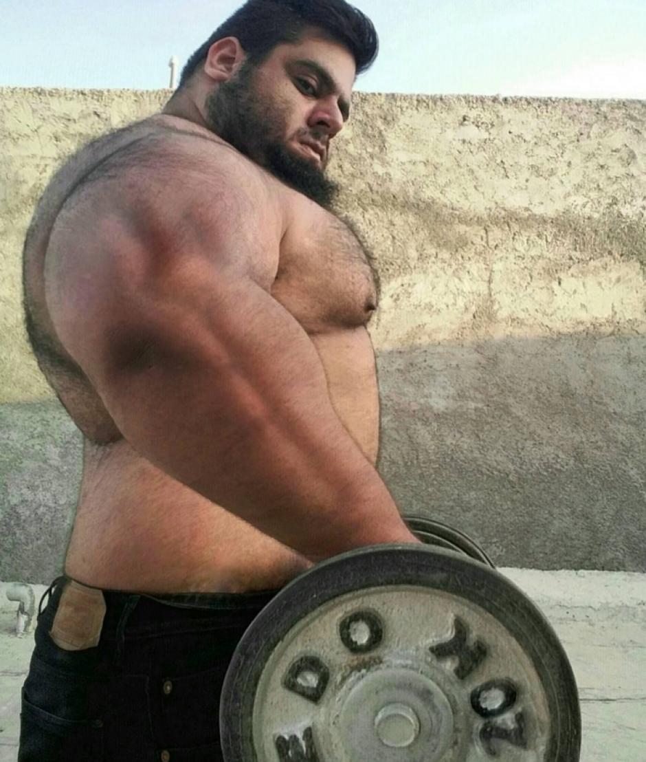 Sajad levanta pesas todos los días. (Foto: eldiariony.com)