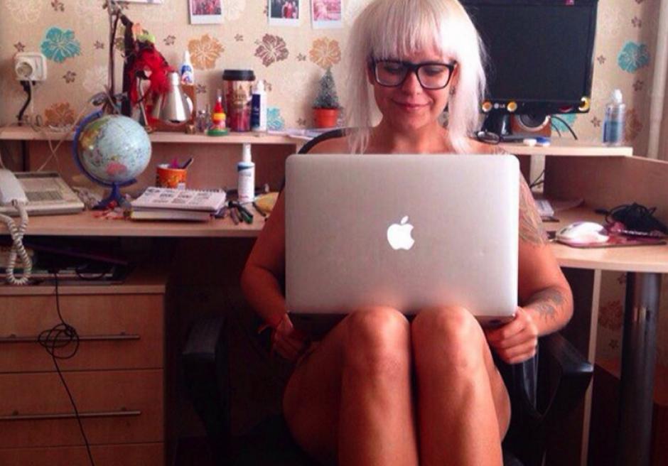 """Muchos pasan el día entero desnudos y otros solamente lo hacen """"para la foto"""". (Foto: sopitas.com)"""