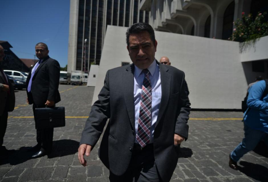 Los exparlamentarios evitaron dar declaraciones extensas a los periodistas. (Foto: Wilder López/Soy502)