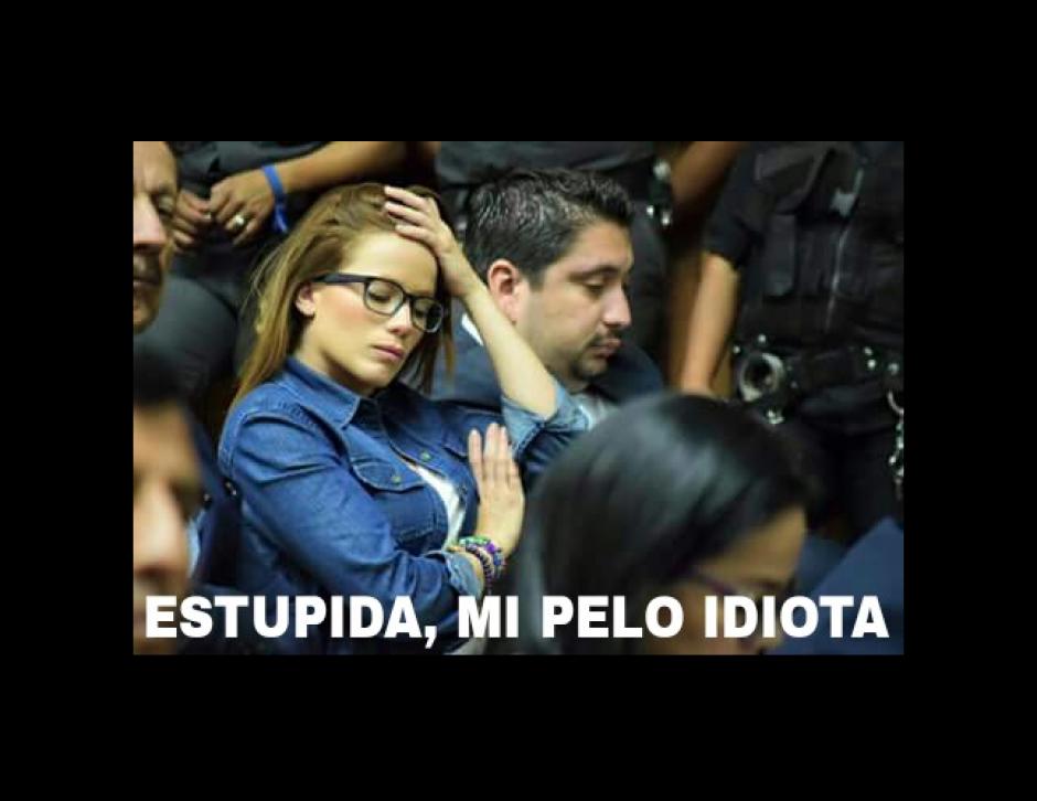 También por su pelo fue viralizada la imagen de la exfuncionaria. (Foto: Facebook/Emanuel García)