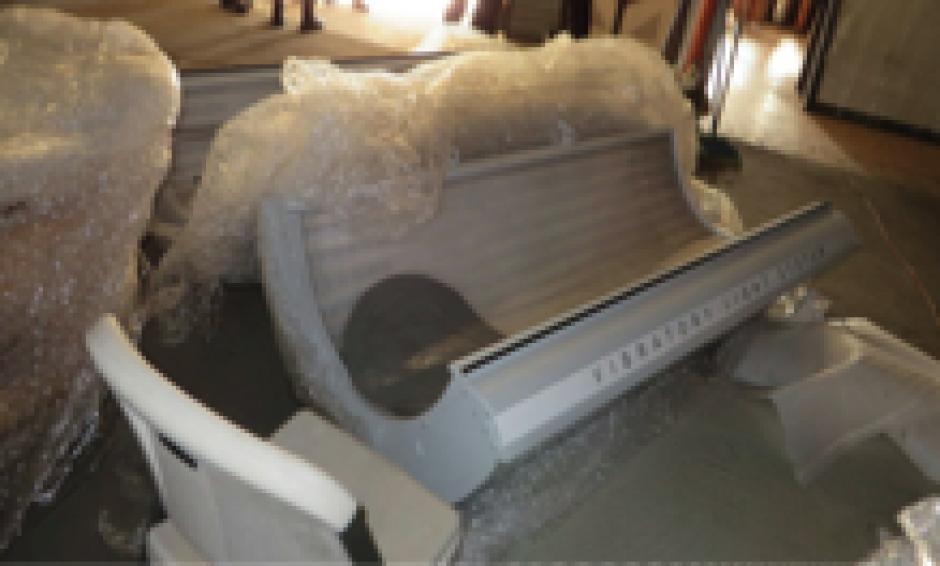 Baldetti también tenía una máquina bronceadora. (Foto: MP)