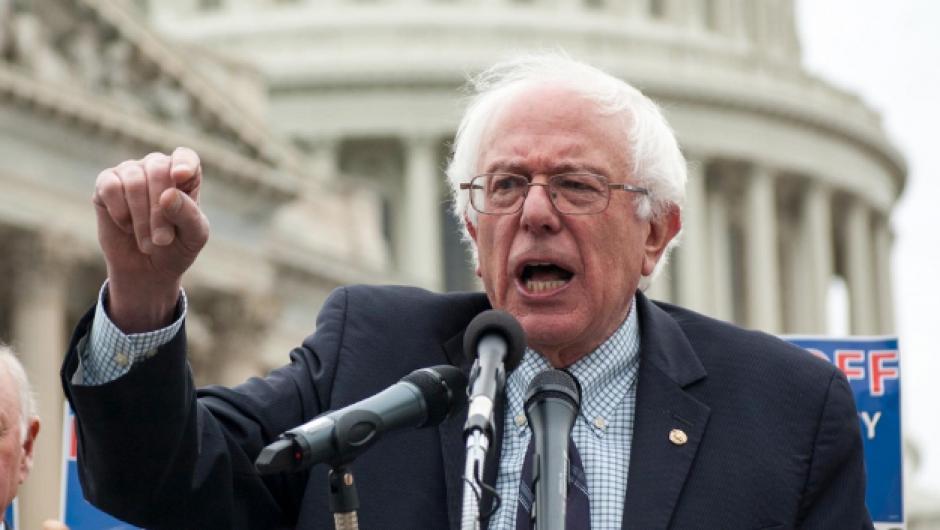 El senador Bernie Sanders se prepara para apoyar a su exrival. (Foto: www.slate.com)