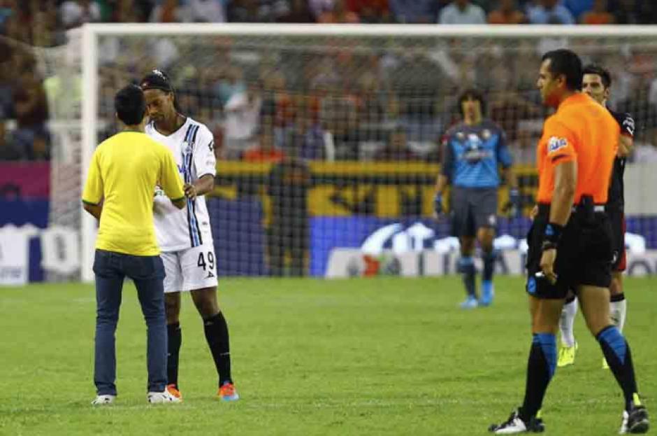 Los aficionados admiran al jugador brasileño. (Foto: Archivo/Soy502)