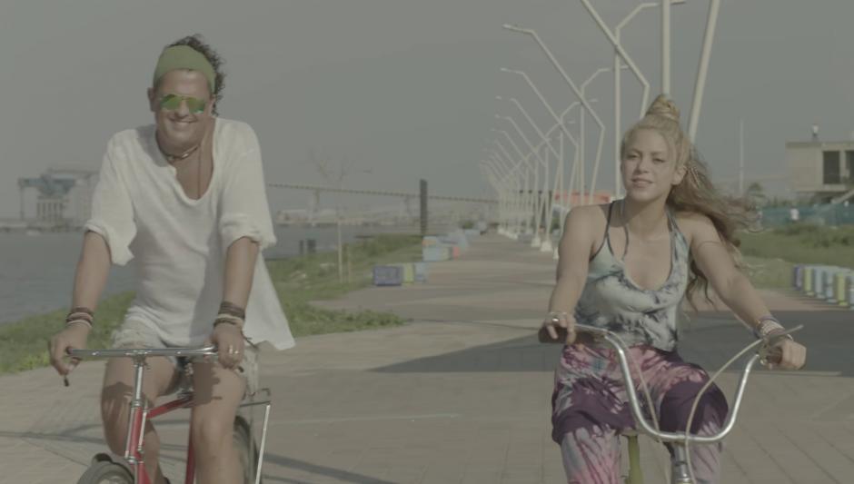 """Carlos Vives y Shakira promocionan la canción """"La Bicicleta"""". (Foto: Captura de Video)"""