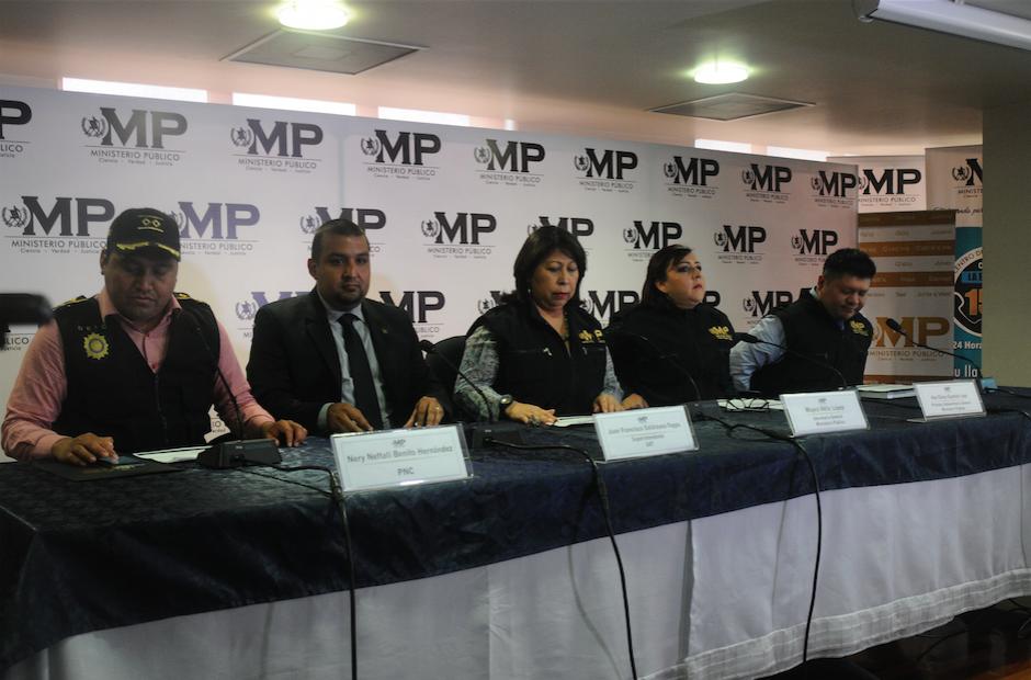 Autoridades de la SAT y del MP ofrecieron detalles de cómo se llevó a cabo la defraudación por parte de la compañía. (Foto: Alejandro Balán/Soy502)