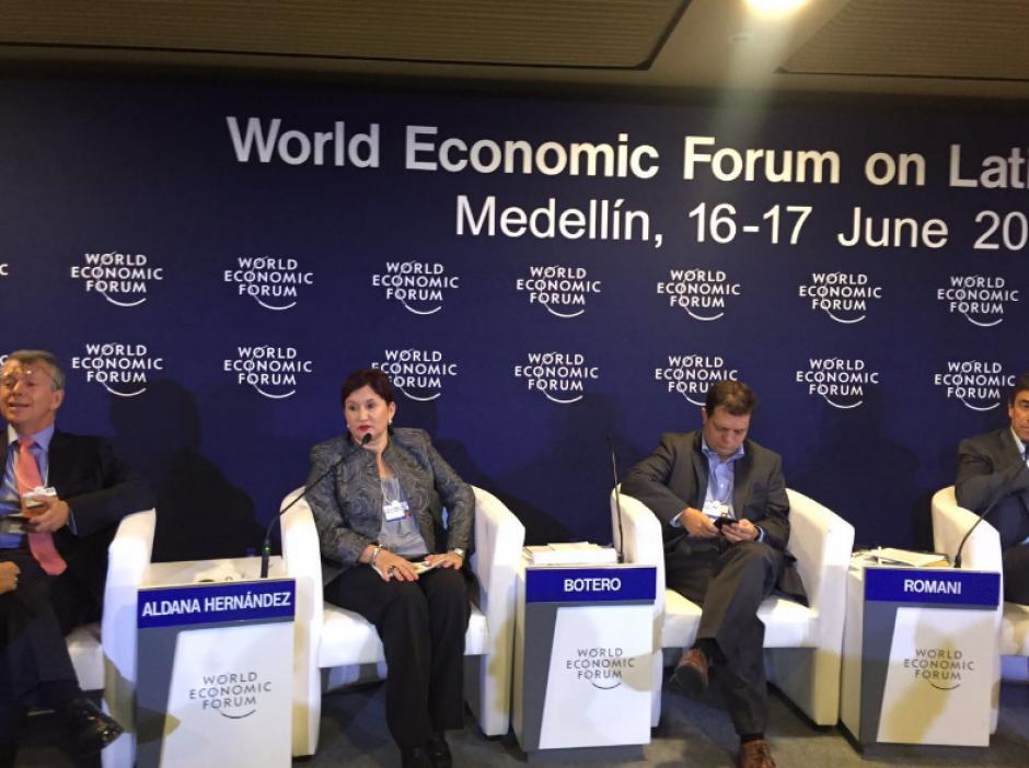 La primera cita que debía cumplir la Fiscal fue el Foro Económico Mundial en Colombia. (Foto: MP)