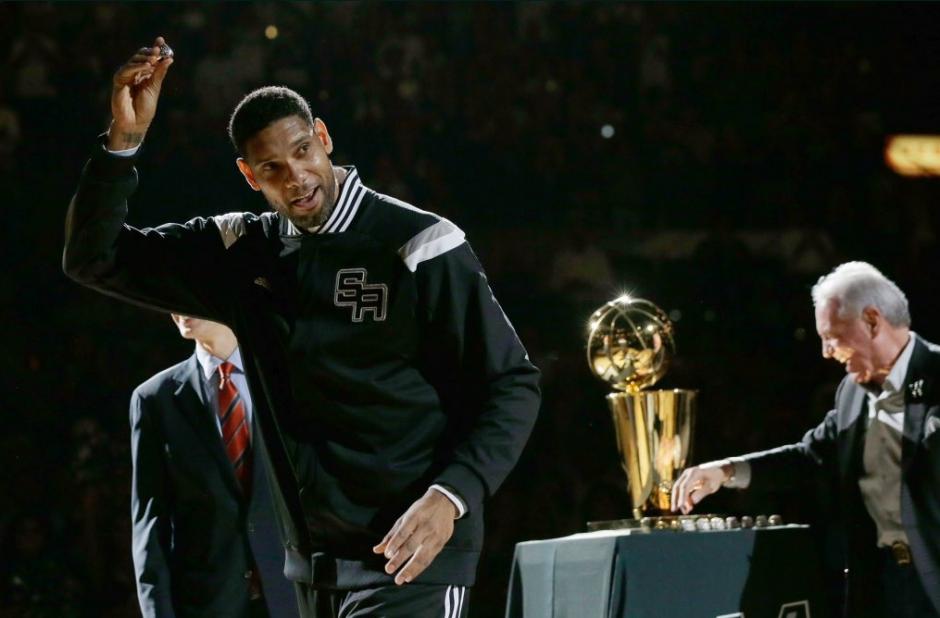 Solo jugó bajo las órdenes de un entrenador: Gregg Popovich. (Foto: Spurs)