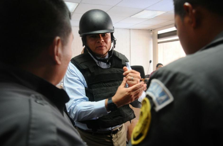 """""""Eco"""" fue trasladado bajo fuertes medidas de seguridad debido a su condición de colaborador eficaz. (Foto: Alejandro Balán/Soy502)"""